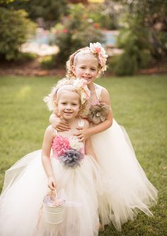 flower girls- gorgeous dresses! | photo by Jackie Ray Photography | 100 Layer Cake