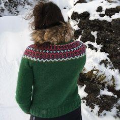 Gamaldags lopi sweater  Knitting pattern:  http://icelandicknitter.com/en/models/gamaldags/