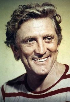20000 Léguas Submarinas : Foto Kirk Douglas, Richard Fleischer Foto de Kirk Douglas no filme 20000 Léguas Submarinas - Foto 67 de 97 Hollywood Men, Golden Age Of Hollywood, Vintage Hollywood, Hollywood Stars, Classic Hollywood, Classic Movie Stars, Classic Movies, Actors Male, Actors & Actresses