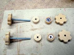 make wooden Star Knobs