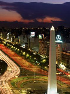 Avenida 9 De Julio, Buenos Aires, Argentina, Obelisko