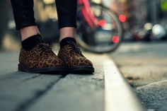These are so fantastic! Doc Martens Boots, Dr. Martens, Leopard Shoes, Fall Clothes, Fall Outfits, Addiction, Oxford Shoes, Dress Shoes, Walking