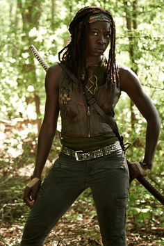 Kickass Halloween Costumes: Michonne from The Walking Dead.. Yup, that's who I'm going to be this Halloween!