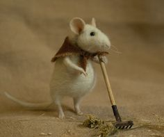 So sweet.  Stuffed Animals by Natasha Fadeeva - raking mouse