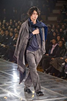 Yohji, Or How I Learned to Stop Worrying and Love The Looser Fit (Yohji Yamamoto Thread) Fashion Beauty, Mens Fashion, Boy Models, Yohji Yamamoto, Bomber Jacket, Normcore, Japanese, Actors, Guys