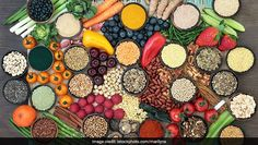 5 Expert Recommended Superfoods To Look Out For In The Year 2020 Superfoods, Seaweed Wrap, Curcumin Benefits, Indian Diet, Sea Vegetables, Mood Enhancers, Brain Health, Mental Health, Fruit In Season