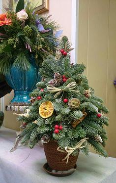 Christmas Yule Log, Christmas 2015, Christmas Wreaths, Christmas Decorations, Xmas, Holiday Decor, Christmas Drawing, Drawings, Red Christmas