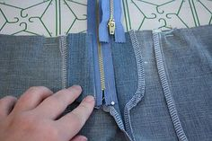 Zipper instructions in pictures. This is how i learned to do zippers, so easy directions and the pictures help immensely!