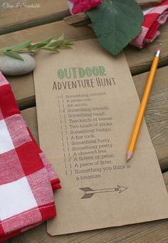 Fun outdoor scavenger hunt and s'mores treat toppers with free printables includ… Fun outdoor scavenger hunt and s'mores treat toppers with free printables included! This would be fun for an outdoor party or camping trip. Canada Day Party, Printable Designs, Free Printables, Boy Birthday, Birthday Parties, Birthday Ideas, Fairy Birthday, Invitation Fete, Camping Party Invitations