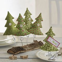 Ideas for Unusual Christmas trees for Home Decoration Unusual Christmas Trees, Diy Felt Christmas Tree, Fabric Christmas Trees, Alternative Christmas Tree, Felt Christmas Decorations, Christmas Sewing, Christmas Makes, Rustic Christmas, Christmas Holidays