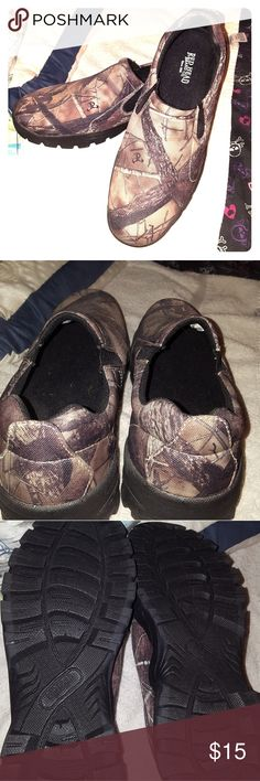 NWOT Redhead Camo Shoes Never worn camo shoes men's size 10. Brand Redhead, originally from Bass Pro Shops. Smoke free home, reasonable offers will be considered. Red Head Shoes
