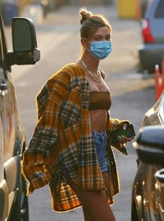 Celebrity Outfits, Celebrity Style, Justin Bieber, Hailey Baldwin Style, Hollywood, Cute Comfy Outfits, Insta Models, Models Off Duty, Light Jacket