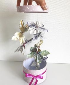 Diy Gifts, Origami, Diy And Crafts, Planter Pots, Wraps, Gift Wrapping, Cool Stuff, Birthday, Creative