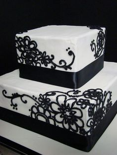 even tho i hate black and white as wedding colours this cake looks awesome