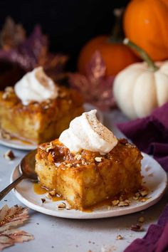 Best Homemade leftover pumpkin pie bread pudding including healthy meal ideas to help you get better Dessert Cake Recipes, Dessert Sauces, Pudding Recipes, Bread Recipes, Easy Recipes, Fall Desserts, Delicious Desserts, Challah, Pumpkin Bread
