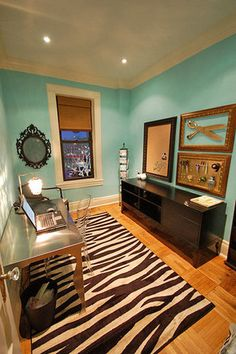 Cute idea for small bedroom, need a desk though and not teal walls