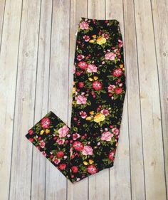 These so soft Fab Floral pink and black floral printed leggings are too cute to pass up! They are so comfortable and will go with all of your favorite tunics (s Pink Leggings, Printed Leggings, Boutique Clothing, Fashion Boutique, Floral Tie, Floral Prints, Black, Style, Swag