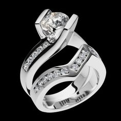Intrigue Engagement Ring - Round Brilliant