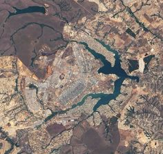 Arquitetura > Brasil > Brasília > capital > Monumentos > Vista Aérea Fonte: obviousmag.org