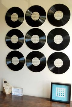 Vinyl Record Wall Art DIY - Mom it Forward - Create some cool wall art with just some old vinyl records and some sheet music! Vinyl Decor, Vinyl Records Decor, Record Decor, Vinyl Record Crafts, Record Wall Art, Music Wall Art, Cool Wall Art, Diy Wall Art, Framed Wall Art