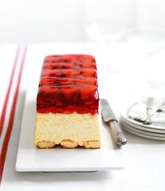 Strawberry Mascarpone Terrine recipe, brought to you by MiNDFOOD. Frozen Desserts, Just Desserts, Delicious Desserts, Yummy Food, Sweet Recipes, Cake Recipes, Dessert Recipes, Terrine Recipes, Comfort Food