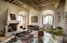 Rainbow castle, luxury villa rental with pool in Umbria
