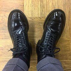 2018/02/27 19:53:02 masayaszk 昨日に引き続きタンカー。 今日は黒馬🐴。 I wear Alden black shellcordovan tanker boots today. #alden #オールデン #足もと倶楽部 #leathershoes #horween #shellcordovan #fashion #kicks #todayskicks #Tokyo #KOTD #aldenarmy #YOLO #tagsforlike #tflers #instagood #instadiary #instalike #instapic #instaphoto #madeinusa #leathergoods #shoestagram #instashoes #shoeporn