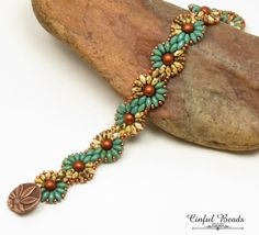 superduo chain bracelet turquoise by Seed Bead Jewelry, Beaded Jewelry, Jewelry Bracelets, Seed Beads, Beaded Braclets, Beaded Bracelet Patterns, Bracelet Turquoise, Super Duo Beads, Twin Beads