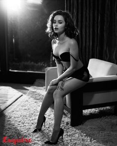 Emilia Clarke Sexy Photos For Esquire Photos) Emilia Clarke Sexy, Elizabeth Olsen, Emilie Clarke, Beautiful Celebrities, Beautiful Women, Female Celebrities, Game Of Thrones, Femmes Les Plus Sexy, Lauren Bacall