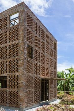 Artist working space _Terra Cotta Studio_ in Ho Chi Minh_Vietnam ©Oki Hiroyu_