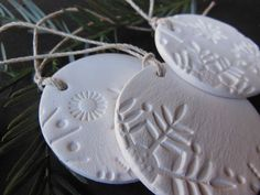 MED Set of 3 Ceramic Snowflake Christmas Ornaments, Handmade Unglazed Bisque Round White Pottery Decoration, Winter Home Decor, Gift Tag -Etsy