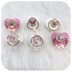 LIORE'e luxury baby pacifiers and clip sets.Trendy baby gifts for first time parents including our luxury baby pacifiers and clip sets. You will love our luxury newborn baby gift sets. Fashion baby essentials, newborn must-haves, and luxury baby products with style. Check out our glam baby gift ideas in our online store! Shop now at lioree.com #babypacifiers #newbornmusthaves #babygiftideas #babyproducts Newborn Baby Gift Set, Baby Gift Sets, Newborn Gifts, Baby Gifts, Baby Pacifiers, Baby Binky, New Born Must Haves, Age Regression, Baby Swag
