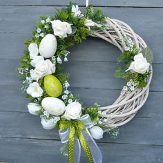 Spring Wreath in white-green 2 / Goods Seller Moana floristry, Spring wreath in white-green 2 / Seller's item Moana floristry Easter Wreaths, Holiday Wreaths, Flip Flop Wreaths, Diy Fall Wreath, Diy Easter Decorations, Easter Flowers, Easter Crafts, Flower Arrangements, Floral Wreath
