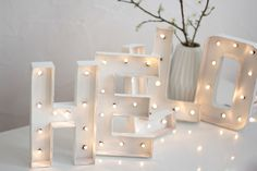 [DIY] Lettres Lumineuses à découvrir sur www.hello-hello.fr Vintage Marquee DIY this way! #diy #vintage #letters