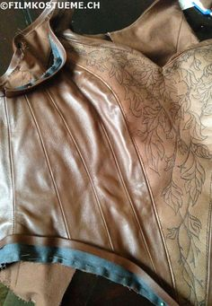 filmkostueme.ch: Tauriel: corset sewing part II
