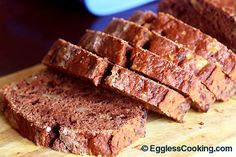 Enjoy this sugar free version of chocolate banana bread which as good as the usual bread loaded with sugar.
