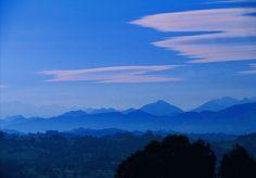 Atardecer in blue by Hotel Rural El Mirador de Ordiales, via Flickr