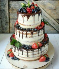 Torte – Wedding Cakes With Cupcakes Wedding Cake Centerpieces, Fall Wedding Cakes, Wedding Cakes With Cupcakes, Beautiful Wedding Cakes, Wedding Cake Designs, Beautiful Cakes, Cupcake Cakes, Fruit Wedding Cake, Cake Fondant