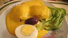 2011: Paola Palacios utilizó el tradicional batán para preparar dos salsas: una a base de ají amarillo y la otra con rocoto. Toda una delicia al paladar-La mejor papa a la Huancaina de la Feria