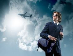 Internationaal Business & Commercieel Management (hbo) - Een carrière in de internationale business vraagt om lef, doorzettingsvermogen en om mensen met een global scope. Handel en economische ontwikkelingen gaan razendsnel. Jij wilt van deze dynamiek deel uitmaken. Je kunt snel schakelen. Je onderzoekt de markt en je hebt kennis van de business op top niveau. Je sales vermogen is uitstekend en je communiceert op het juist niveau. Als manager of als ondernemer.
