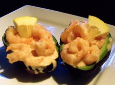 A seafood starter presented on top of half of an avocado. South African Dishes, South African Recipes, Creamed Chipped Beef, Finger Food Appetizers, Appetizer Recipes, Homemade Teriyaki Sauce, Christmas Lunch, Tasty Kitchen, How To Cook Shrimp