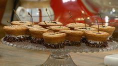 Kersenfinanciers - Rudolph's Bakery   24Kitchen kan met allerlei soorten fruit: bramen, frambozen, etc