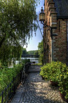 Minnewater, Bruges, Belgium   wishlist