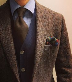 casual mens fashion which looks fab Tweed Jacket Men, Tweed Men, Vêtement Harris Tweed, Mode Costume, Herren Outfit, Mode Masculine, Mens Fashion Suits, Fashion Menswear, Man Stuff