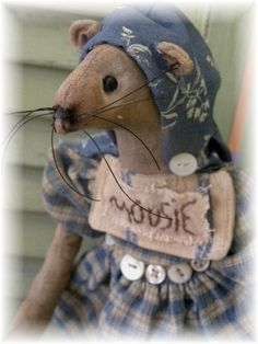 Primitive Folk Art Country Mouse