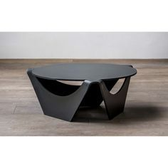 Designed in the the Nanagona Coffee Table was one of Ramírez Vázquez's forward-looking and technically advanced designs for the time. Using precision engineering to manufacture laser cut and bent sheet metal, this design is simplistic but classical 1960s Furniture, Folding Furniture, Multifunctional Furniture, Design Furniture, Industrial Furniture, Modern Furniture, Metal Sheet Design, Sheet Metal Art, Steel Fabrication