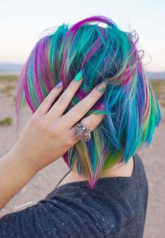 Are you searching for best combinations and matching ideas of hair colors with nail designs to wear in 2018? No doubt these combinations are best for every woman to try. Explore here and see the most stunning and cutest ideas of rainbow hair colors and with rainbow nail designs. Try this combination for cutest look.