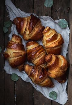 Croissants, Junk Food, Nutella, Pork, Food And Drink, Turkey, Bread, Health, Recipes