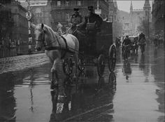 1930 korül. Postakocsi a Ferenciek terén. Old Pictures, Old Photos, Budapest Hungary, Historical Photos, Homeland, Time Travel, Austria, The Past, Horses