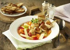 Süßkartoffeleintopf mit Hähnchenspießen und Pastinaken #süßkartoffeln #batate #hähnhen #chicken #geflügel #gefluegel #poultry #eintopf #herbst #genuss #rezept #recipe #pastinake